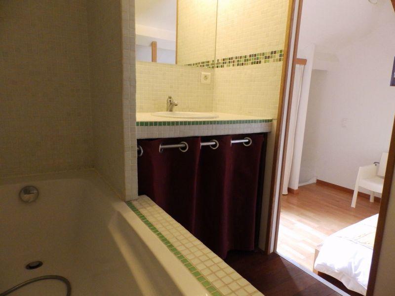 salle de bain 2 Location Maison 83750 La Rochelle