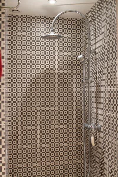 salle de bain 1 Location Maison 85858 Uzès