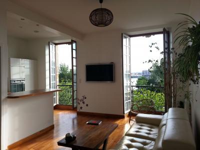 Salon Location Appartement 97587 Bordeaux