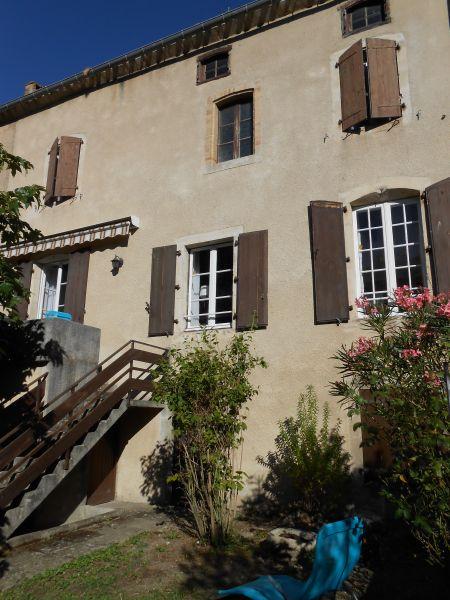 Vue extérieure de la location Location Maison 100502 Montolieu