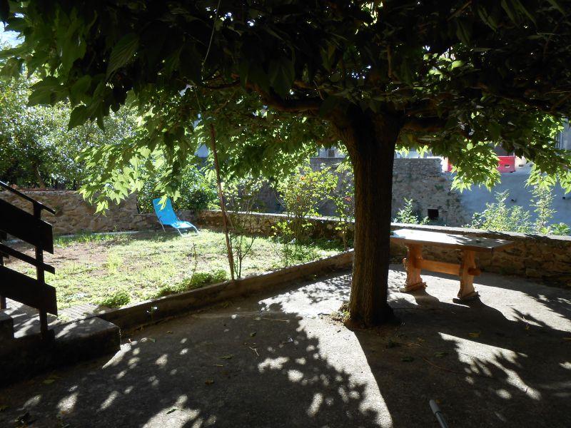 Vue de la terrasse Location Maison 100502 Montolieu