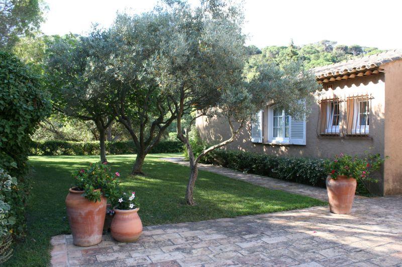 Jardin Location Villa 111829 La Croix Valmer