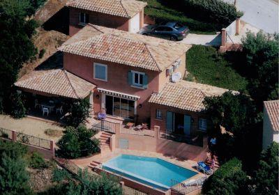 Vue extérieure de la location Location Villa 112188 Cavalaire-sur-Mer