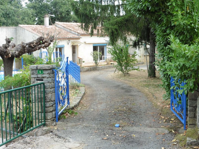 Entrée Location Villa 112619 Alès