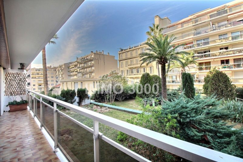 Vue du balcon Location Appartement 113014 Nice