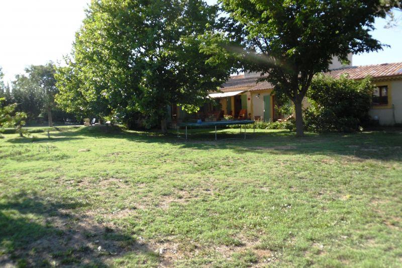 Vue extérieure de la location Location Maison 113252 Lourmarin