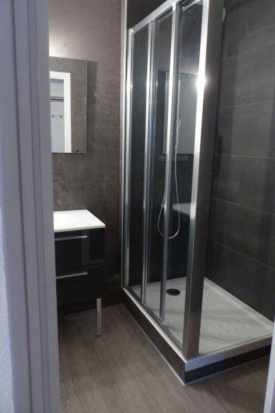 salle de bain Location Appartement 114865 Perros-Guirec
