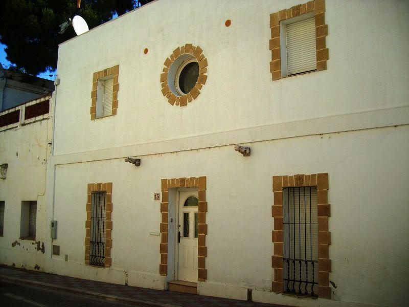 Vue extérieure de la location Location Maison 115988 Llança