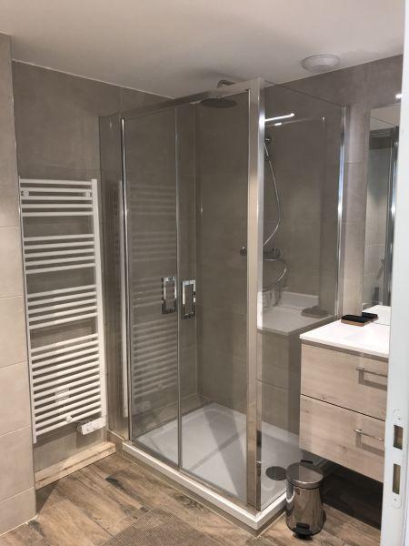 salle de bain Location Appartement 116410 Saint François Longchamp