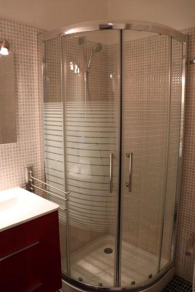 salle de bain Location Studio 117568 Port Camargue