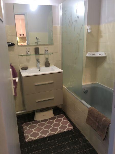 salle de bain Location Studio 119434 Six Fours Les Plages