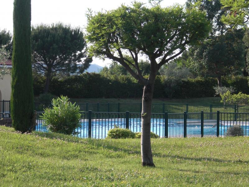 Vue extérieure de la location Location Appartement 63966 Fréjus