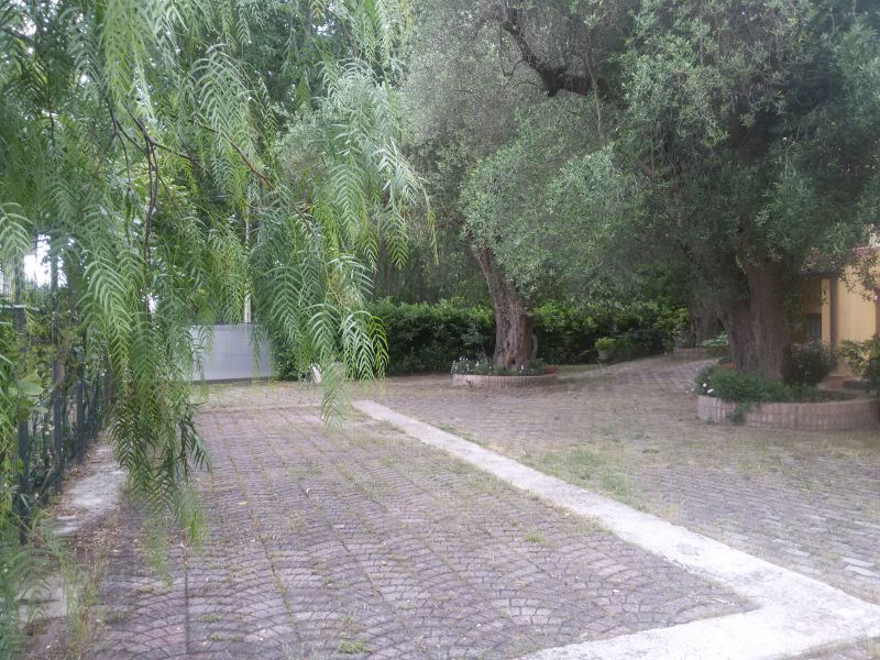 Parking Location Bungalow 76054 Policastro Bussentino