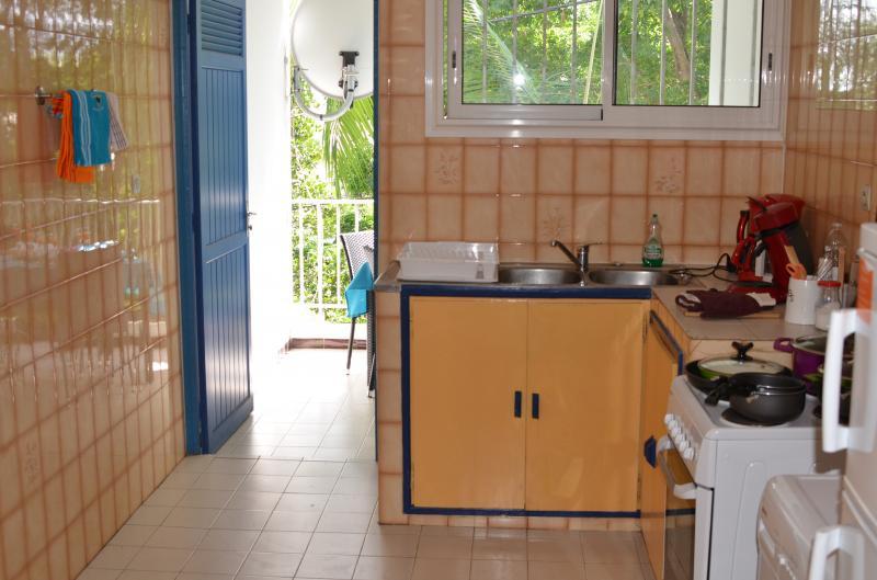 Cuisine indépendante Location Appartement 76076 Saint Pierre (Réunion)