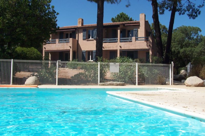 Vue extérieure de la location Location Villa 81700 Porto Vecchio