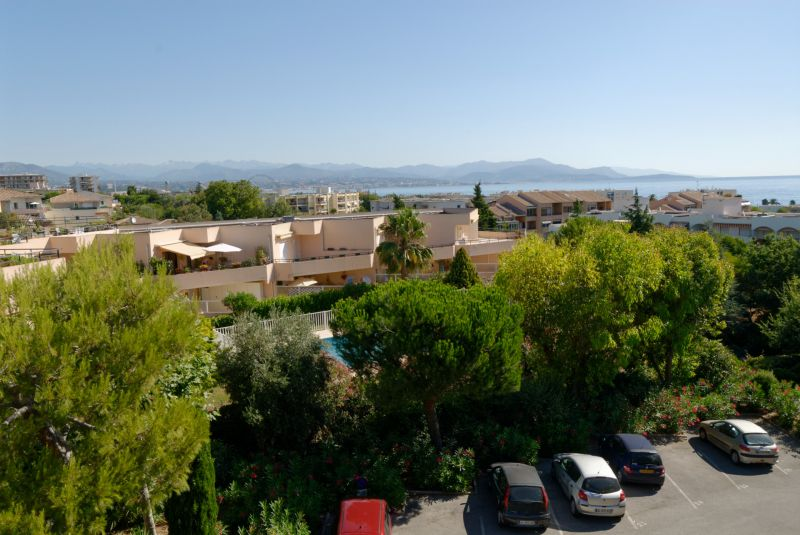Vue de la terrasse Location Studio 92632 Antibes