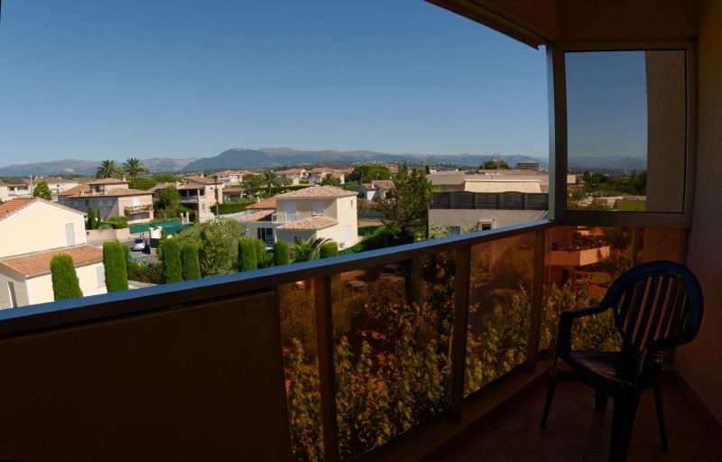 Vue du balcon Location Studio 92632 Antibes