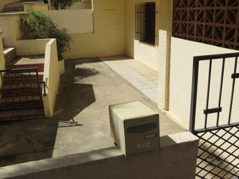 Cour Location Appartement 94868 Rosas