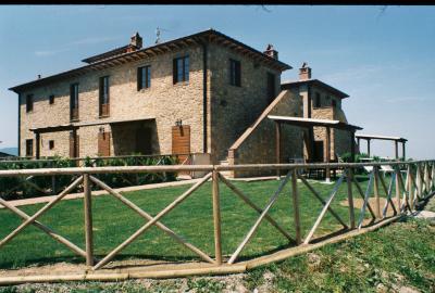 Vue ext�rieure de la location Location Appartement 98201 Volterra