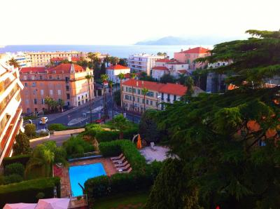 Location Appartement 100323 Cannes