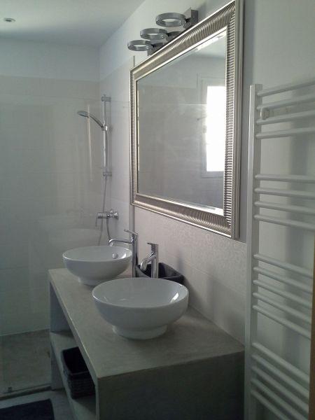 salle de bain Location Maison 100544 Roussillon