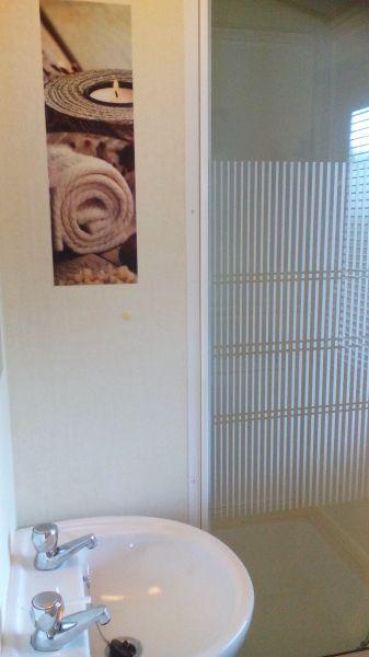 salle de bain Location Mobil-home 102704 La Palmyre