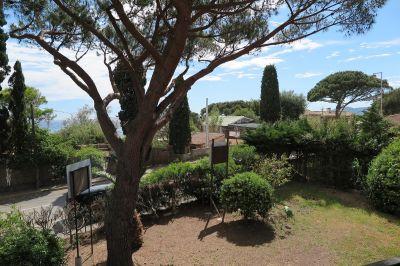 Vue de la terrasse Location Appartement 105324 La Croix Valmer