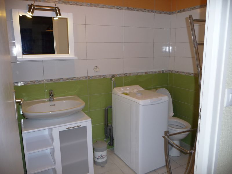 salle de bain Location Studio 108306 Thonon Les Bains