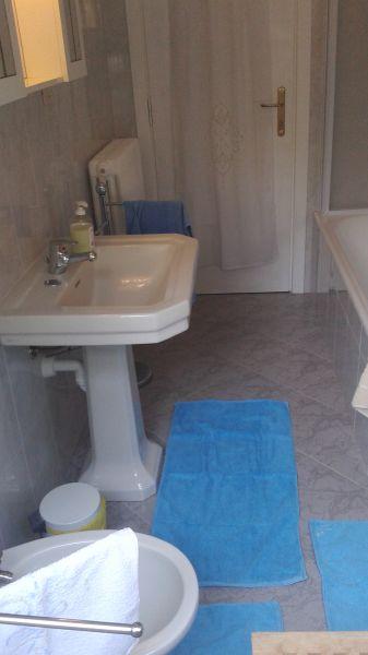 salle de bain Location Appartement 108359 Sanremo