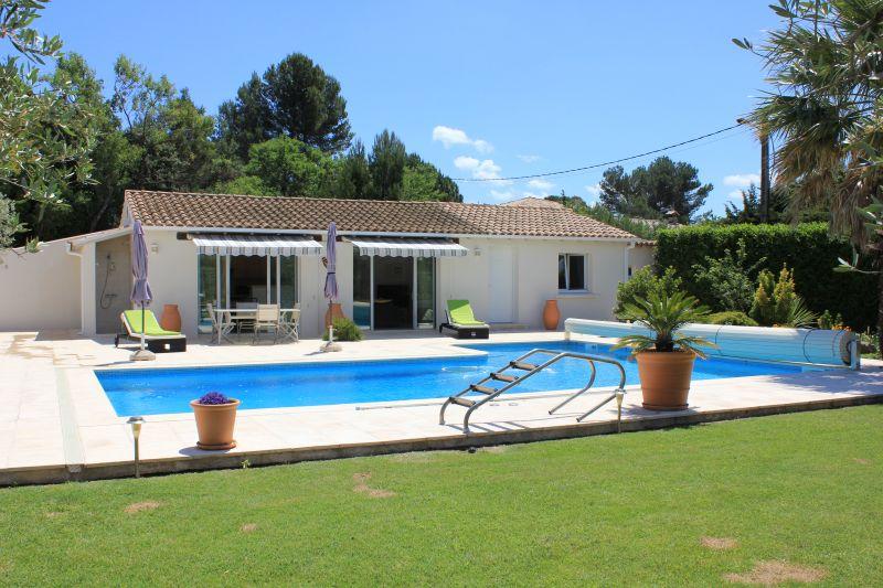 Location Villa 109138 Avignon