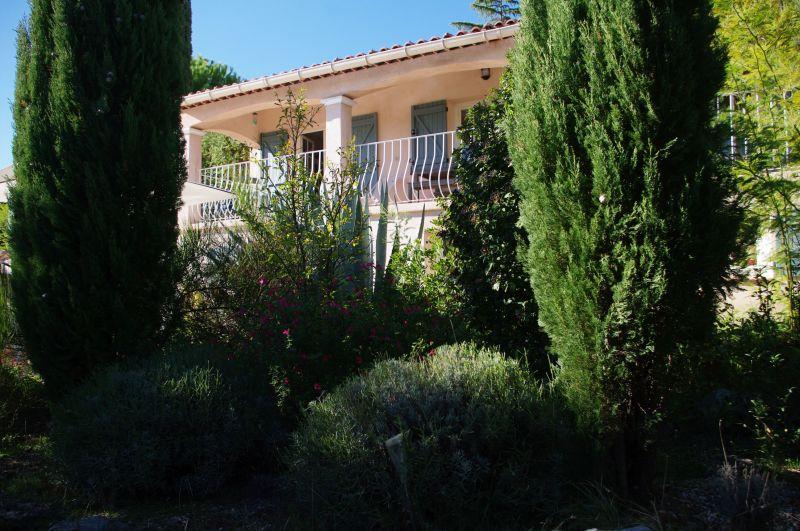 Vue extérieure de la location Location Villa 117687 Draguignan