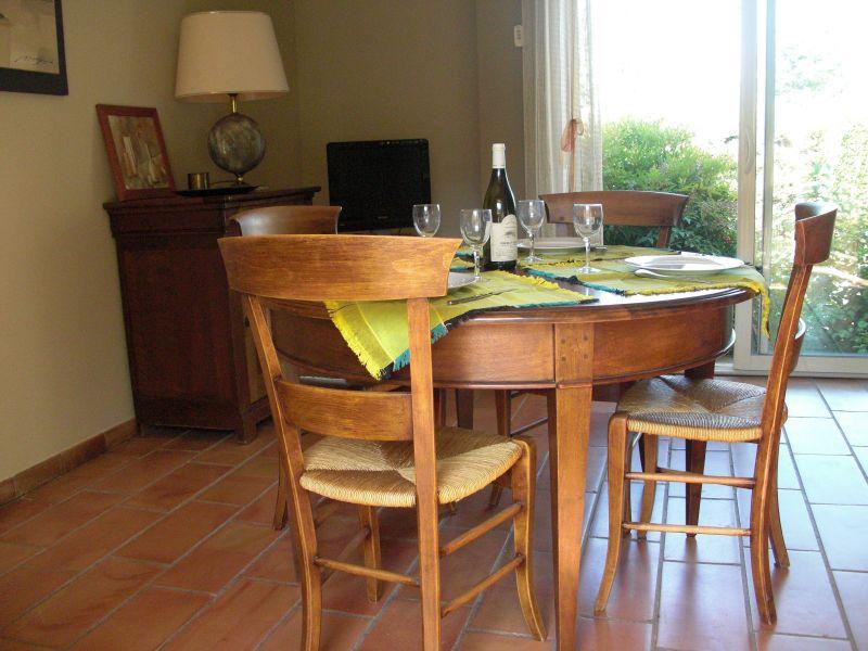 Salle à manger Location Villa 118110 Nîmes
