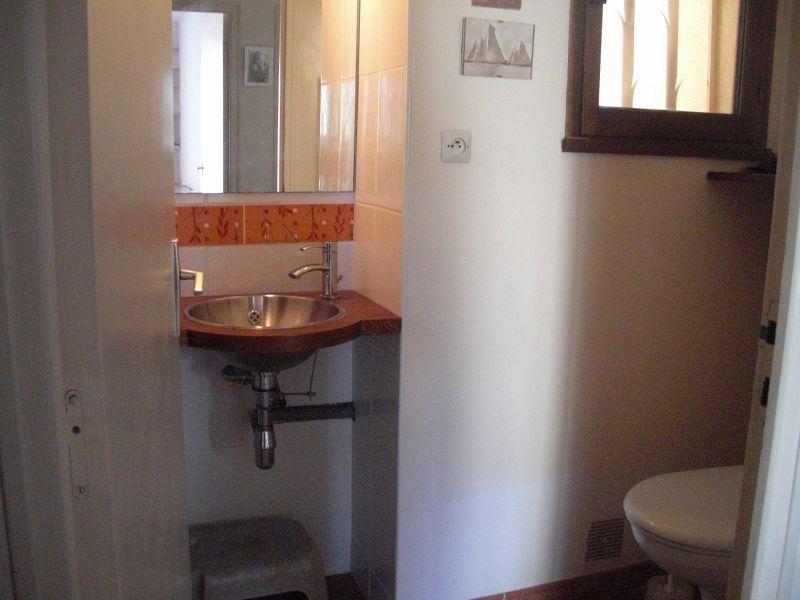 Salle d'eau Location Villa 118110 Nîmes