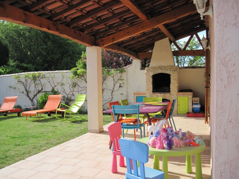 Terrasse Location Villa 118411 Isle sur la Sorgue