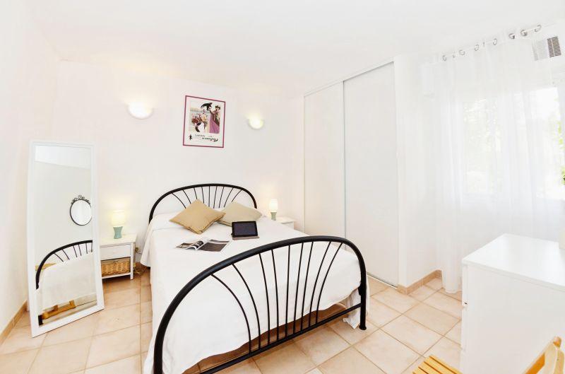 chambre 1 Location Appartement 68566 La Londe les Maures