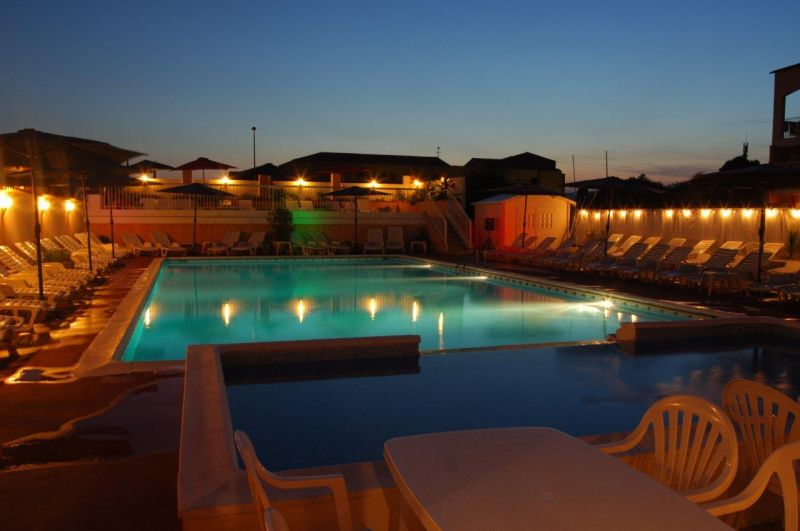 Piscine Location Appartement 68566 La Londe les Maures