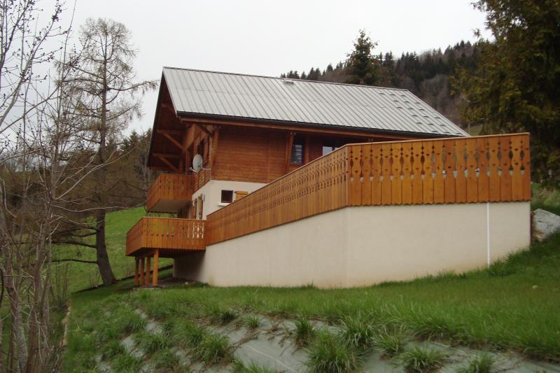 Vue extérieure de la location Location Appartement 71879 Bellevaux Hirmentaz La Chèvrerie