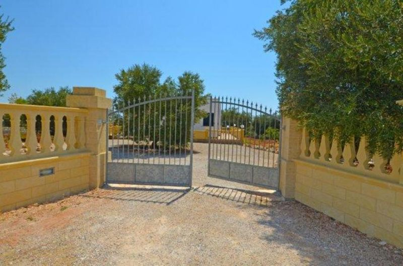 Vue extérieure de la location Location Villa 72212 Pescoluse