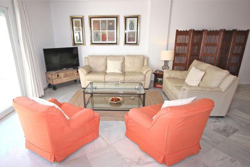 Salon Location Appartement 75680 Marbella