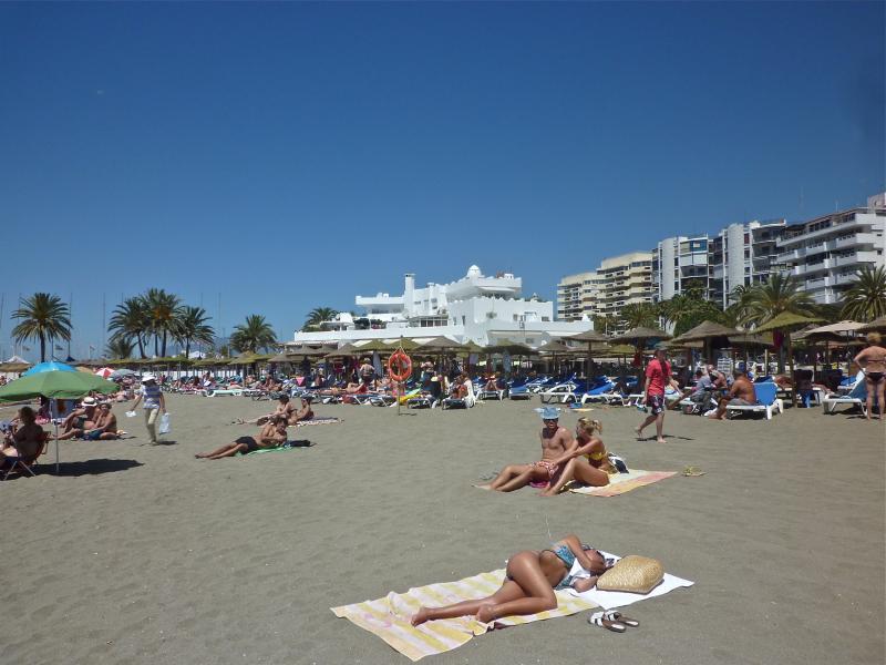 Vue extérieure de la location Location Appartement 75680 Marbella