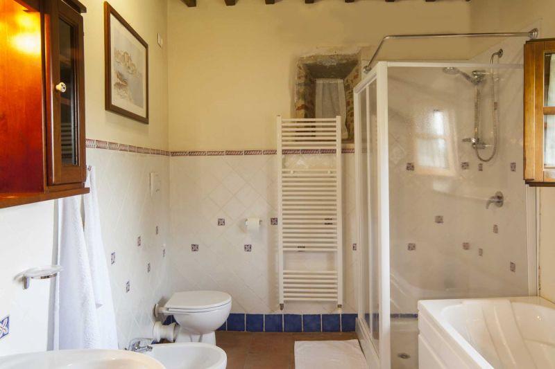 salle de bain 4 Location Villa 75874 Sienne