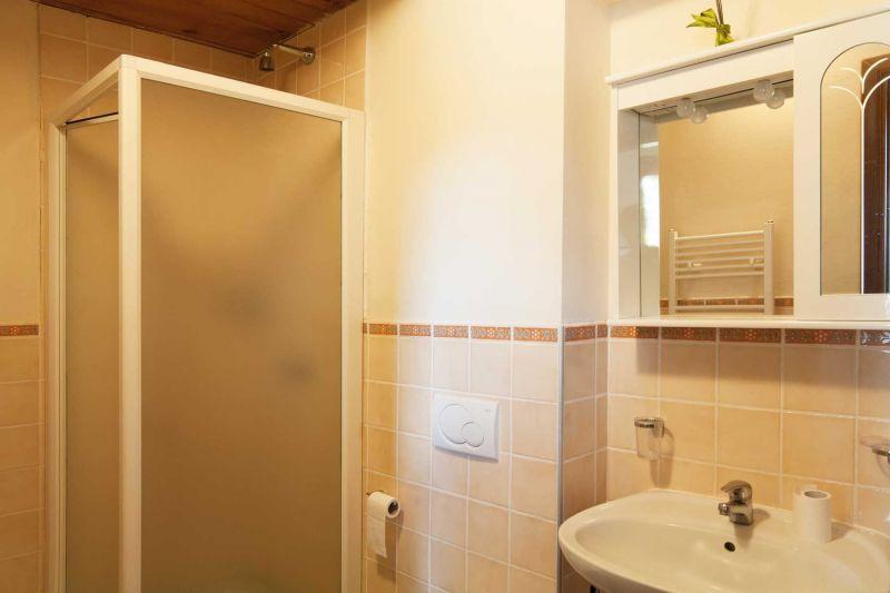 salle de bain 3 Location Villa 75874 Sienne