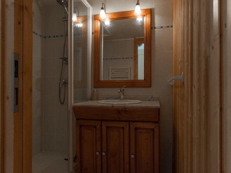 salle de bain 1 Location Appartement 76105 Les Menuires