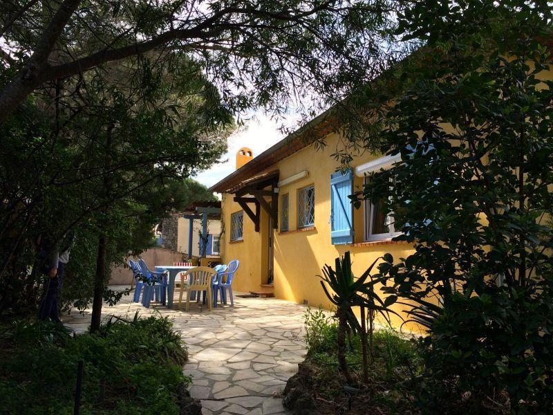 Vue extérieure de la location Location Appartement 76631 Cavalaire-sur-Mer