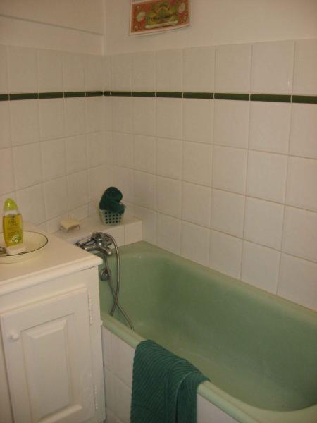 salle de bain Location Maison 78845 Cotignac