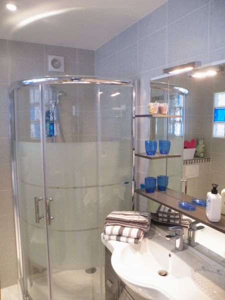 salle de bain Location Studio 79486 Cannes