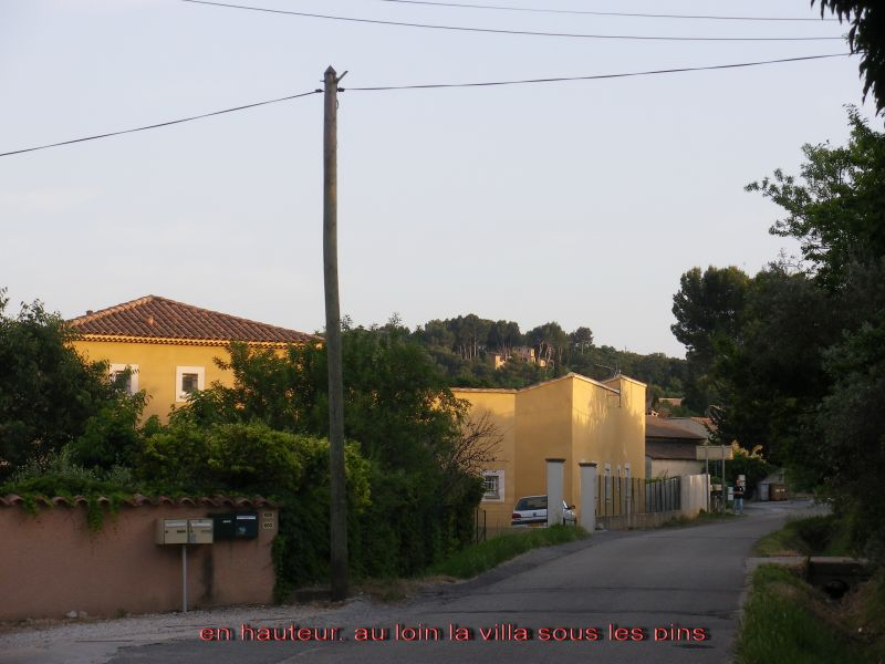Vue extérieure de la location Location Gite 83431 Avignon