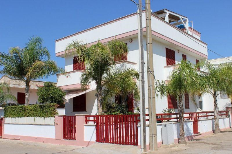 Vue extérieure de la location Location Appartement 84982 Pescoluse