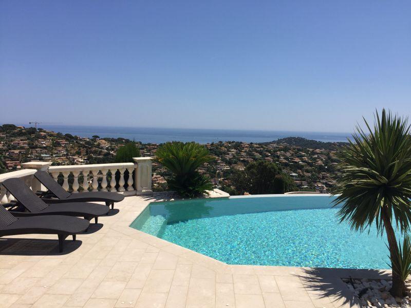 Vue de la terrasse Location Villa 85005 Sainte Maxime