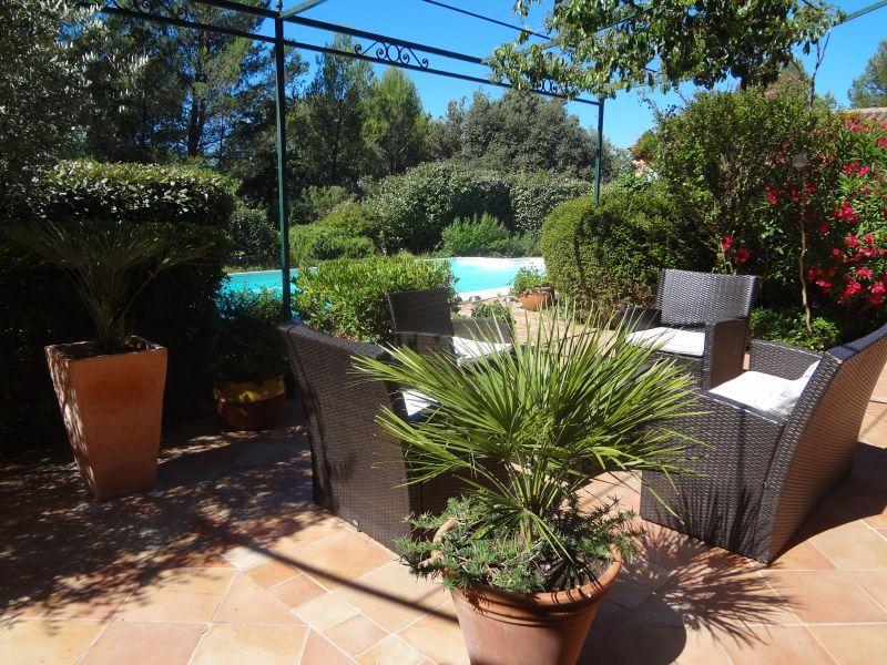 Vue de la terrasse Location Villa 88796 Aix en Provence